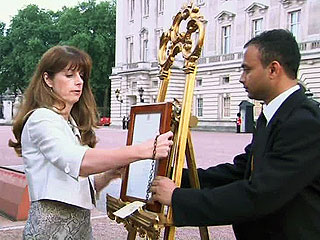 Meet Ailsa Anderson – The Woman Who Placed the Now Famous Royal Baby Easel