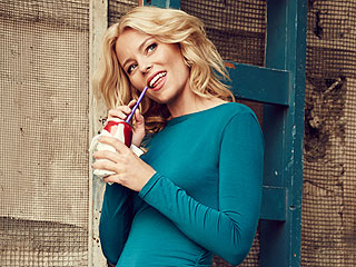 Elizabeth Banks On Staying Fit: Portion Control Is a 'Real Problem' | Elizabeth Banks