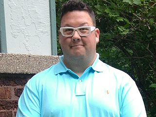 PHOTO: Graham Elliot Drops 56 Lbs. Since Announcing Weight Loss Surgery