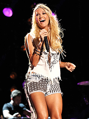 Carrie Underwood Rocks CMA Music Festival in Your Living Room