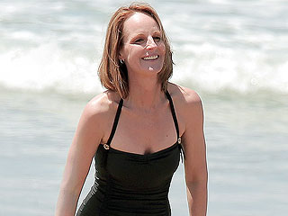 PHOTO: Helen Hunt Wows in Bathing Suit at 50 | Helen Hunt