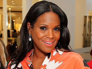 Tameka Foster Shares Photo of Hospitalized Son 'Resting Well' | Amanda Seyfried