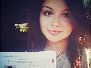 PHOTO: Buckle Up! Ariel Winter Gets Her Driver's Permit