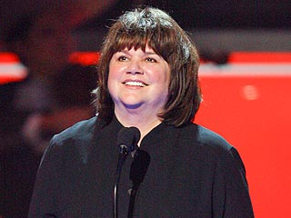 Linda Ronstadt 'Can't Sing a Note' Due to Parkinson's Disease