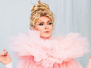 See Martha Stewart's Magical Halloween Costume