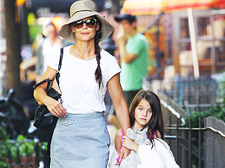 Suri Cruise Sports a Plaster Cast in N.Y.C.