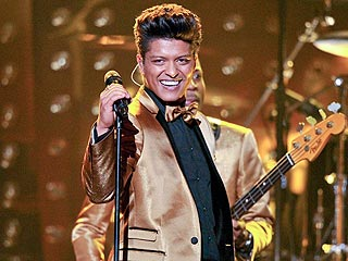 It's True! This Year's Super Bowl Halftime Performer Is ... | Bruno Mars