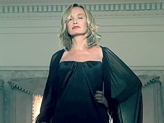 New American Horror Story: Coven Trailer Will Send Chills Down Your Spine