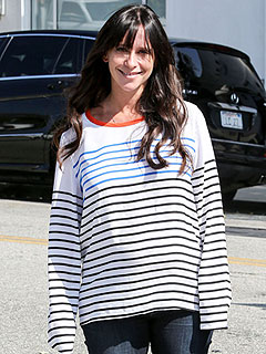 Jennifer Love Hewitt Says Being Pregnant Is a Joy