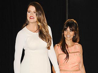 Khloé and Kourtney Kardashian's Fun Night Out in Vegas
