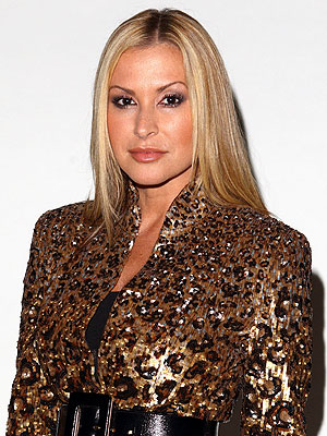 Anastacia Recovering from Double Mastectomy