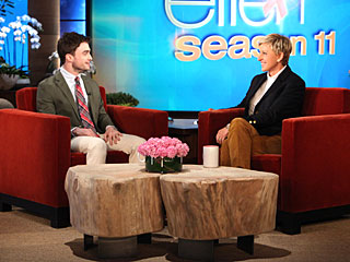 Daniel Radcliffe Does a Lot of Nude Scenes, but Says He Doesn't Request Them | Daniel Radcliffe, Ellen DeGeneres