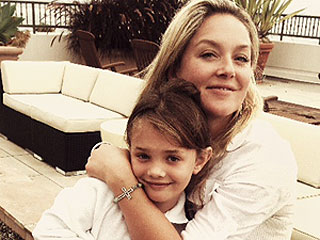 Elisabeth Röhm Blogs: When a Stranger Needs You | Elisabeth Rohm
