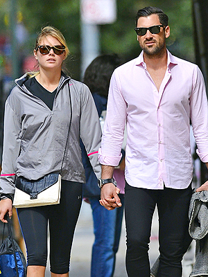 Kate Upton and Maksim Chmerkovskiy Hold Hands in N.Y.C.