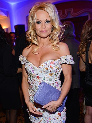 Pamela Anderson to Run the New York City Marathon for Haitian Relief