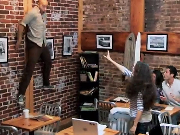 'Telekinetic' Girl Terrifies Customers in Prank