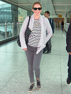 Pregnant Emily Blunt All Smiles as She Lands in London | Emily Blunt