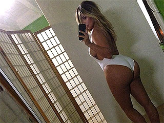 Kim Kardashian: Sexy Selfie Was 'My Big Middle Finger to the World' | Kim Kardashian