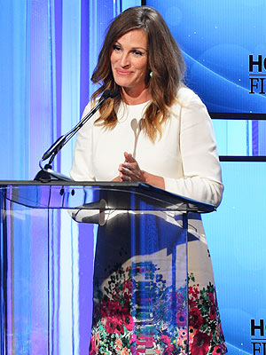 Hollywood Film Awards: Julia Roberts Thanks Husband