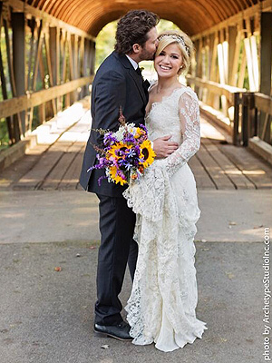 Kelly Clarkson Teases Husband in First Post-Wedding Public Appearance