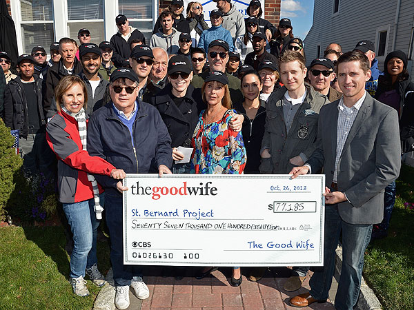 Julianna Margulies & The Good Wife Team Raise $77,185 to Help Sandy Victims