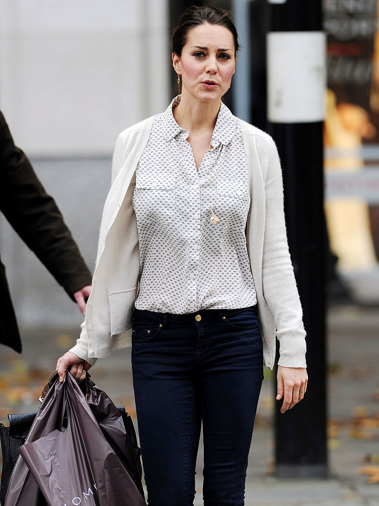 Kate Goes Shopping – Dressed Down!
