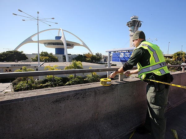 LAX Shooting Suspect Sent Suicidal Text, Say NJ Police| Crime & Courts, Murder, Los Angeles, Real People Stories, Los Angeles International Airport