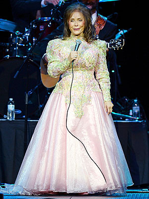Loretta Lynn Postpones Two Shows Due to Exhaus