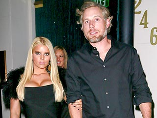 Jessica Simpson & Eric Johnson's Pre-Thanksgiving Date: Martinis & Rice Krispie Treats