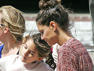 Suri Snacks with Katie Holmes in South Africa amid Tom Cruise Legal Drama | Katie Holmes
