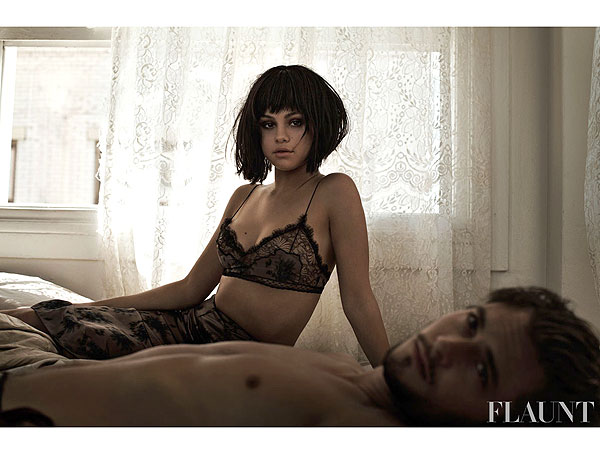 Selena Gomez sexy half-naked