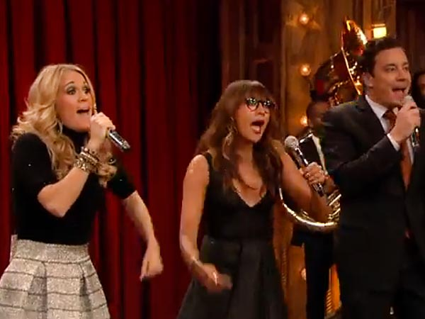 Carrie Underwood, Rashida Jones & Jimmy Fallon Put a Holiday Spin on 2013's Hits