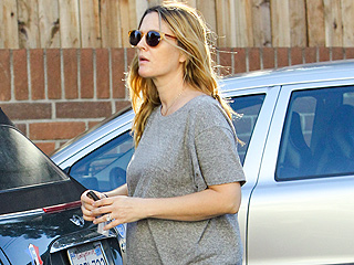 PHOTO: Drew Barrymore Shops with Her Growing Baby Bump