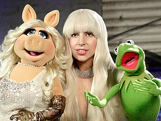 See Lady Gaga and the Muppets Sing 'Applause' Together