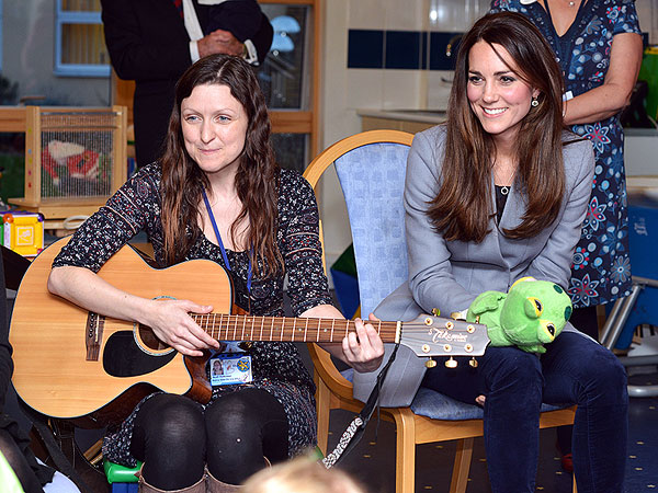 Kate Sings Nursery Rhymes During Visit to Children's Hospice