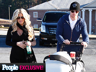 PHOTO: Kim Zolciak Steps Out with Newborn Twins