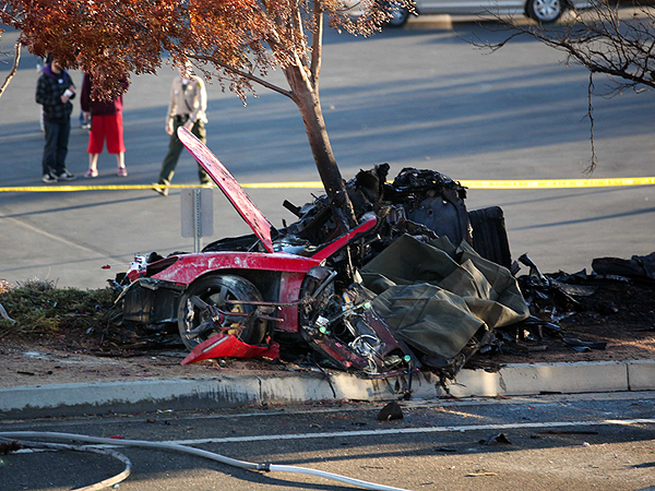paul walker 39 s deadly car crash what happened death 2. Black Bedroom Furniture Sets. Home Design Ideas