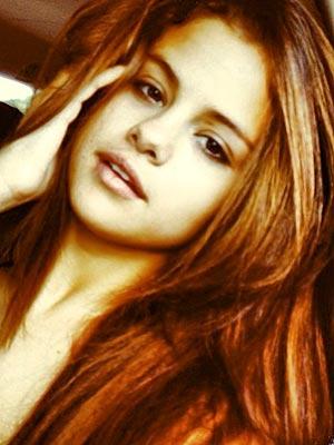 Selena Gomez Posts a Makeup-Free Selfie
