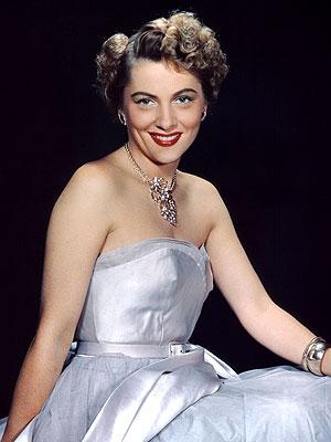 Joan Fontaine, Oscar-Winning Best Actress, Dies at 96