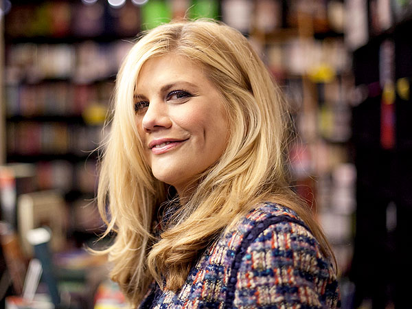 Kristen Johnston Diagnosed with Lupus Myelitis