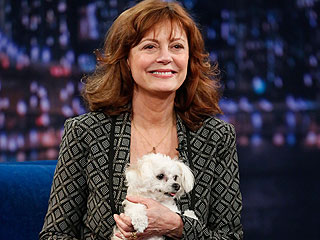Why Susan Sarandon's Dog Started Tweeting | Jimmy Fallon, Susan Sarandon