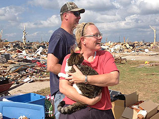 Cat Rescued After Spending Six Days Under the Rubble in Oklahoma