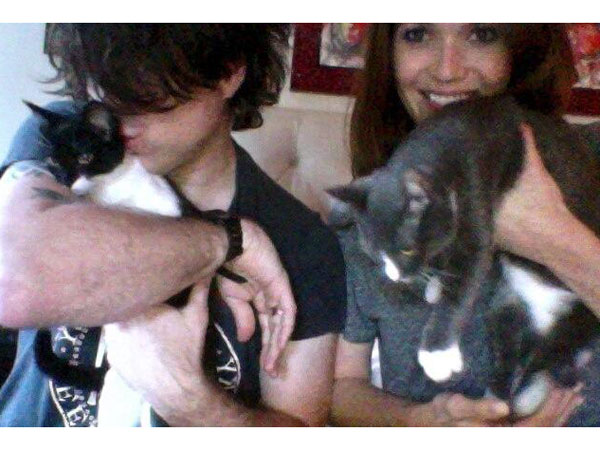 Mandy Moore Adopts Cats: Photo