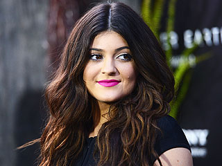 Kylie Jenner's Diva Moment, New Christian Grey & More on Today's Top Stories | Kylie Jenner