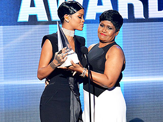 Rihanna's Mom at AMAs: 'I Am So Proud of You' | Rihanna