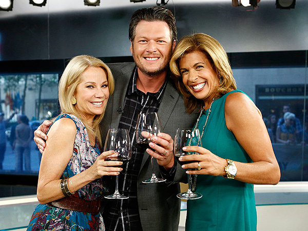 KEY WORD: ALCOHOL photo | Blake Shelton