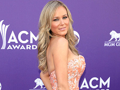 Country Goes Glam: ACM Awards Style | Jewel