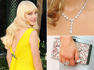 Emmys Accessories: The Standout Jewels, Shoes & Bags | Anna Faris