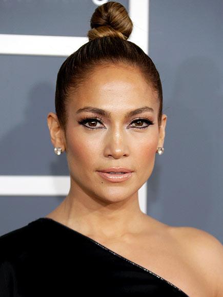 JENNIFER'S TOPKNOT photo | Jennifer Lopez