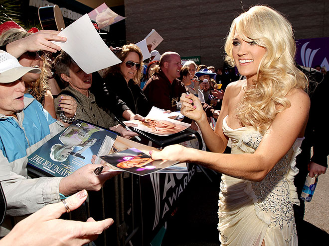 CARRIE UNDERWOOD: <em>AMERICAN IDOL</em>